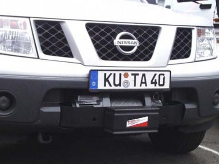 KIT MONTAGGIO NISSAN PICK UP D 40